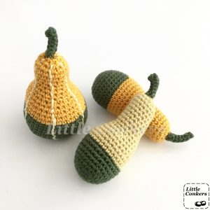 Bi-coloured Pear Gourds by Little Conkers