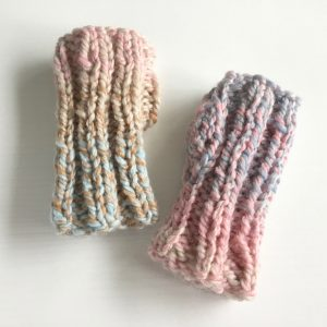 Quick and easy chunky knit fingerless mittens