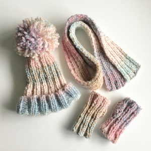 Quick and easy chunky knit hat, scarf and fingerless mittens