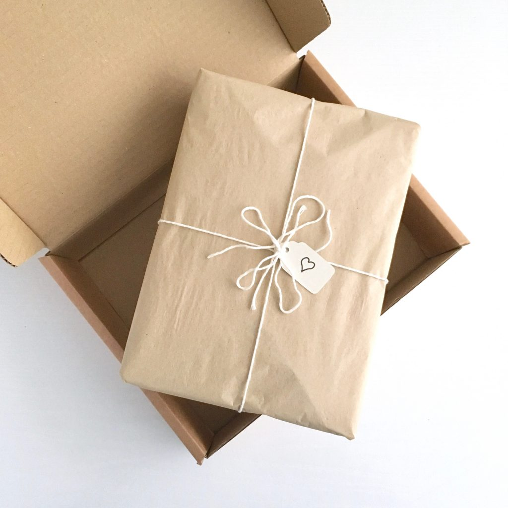 Eco-friendly Gift-wrapping and Postal Packaging
