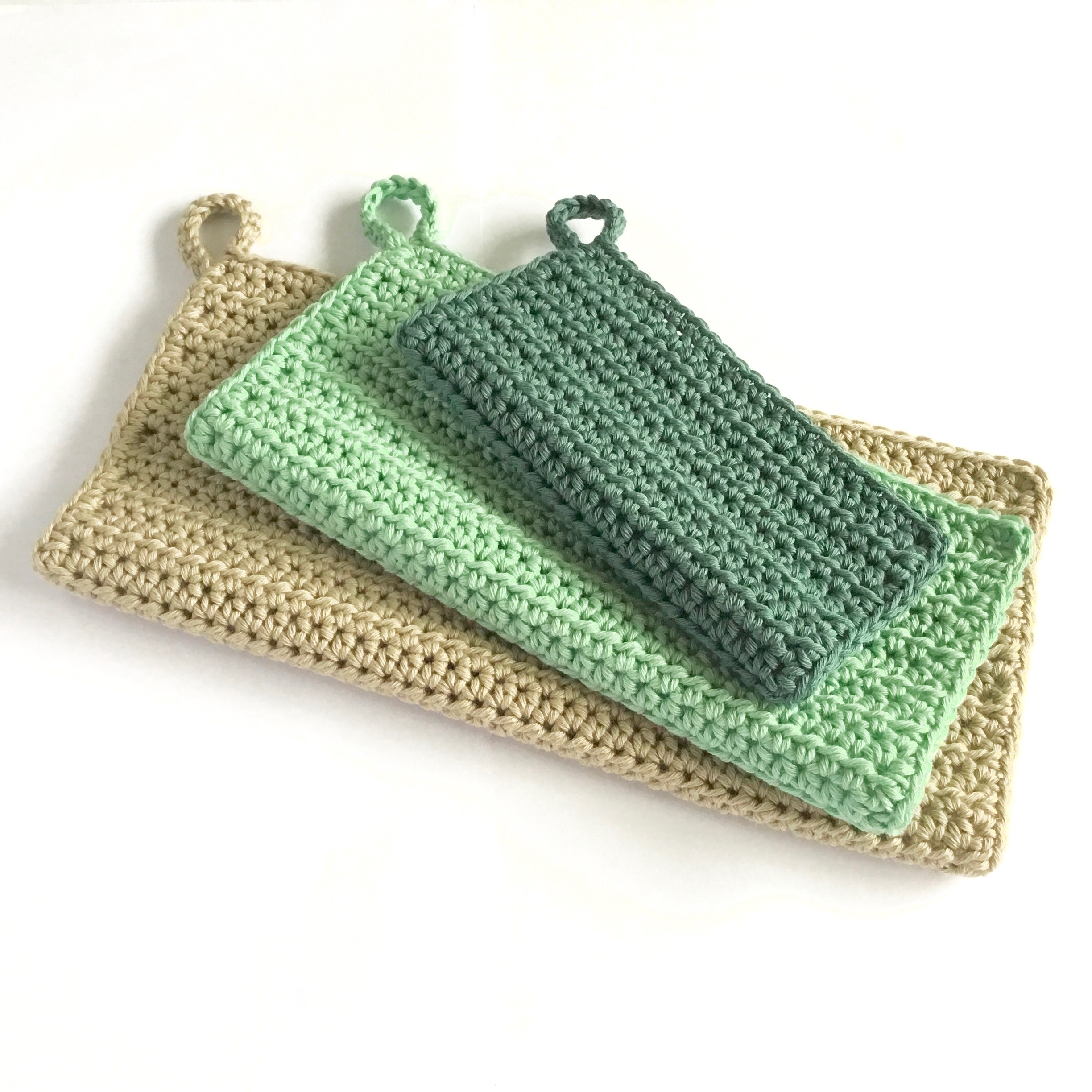 Simple Crochet Washcloth Pattern in Three Sizes