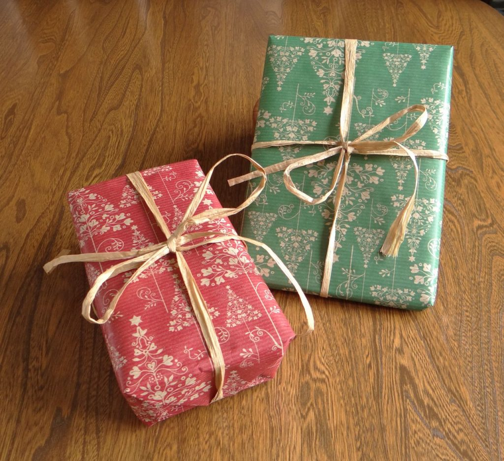 Christmas Presents wrapped in Eco-friendly Gift-Wrap