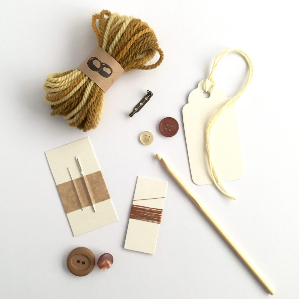 Contents of the Eco-friendly Oak Leaf Brooch Crochet Kit
