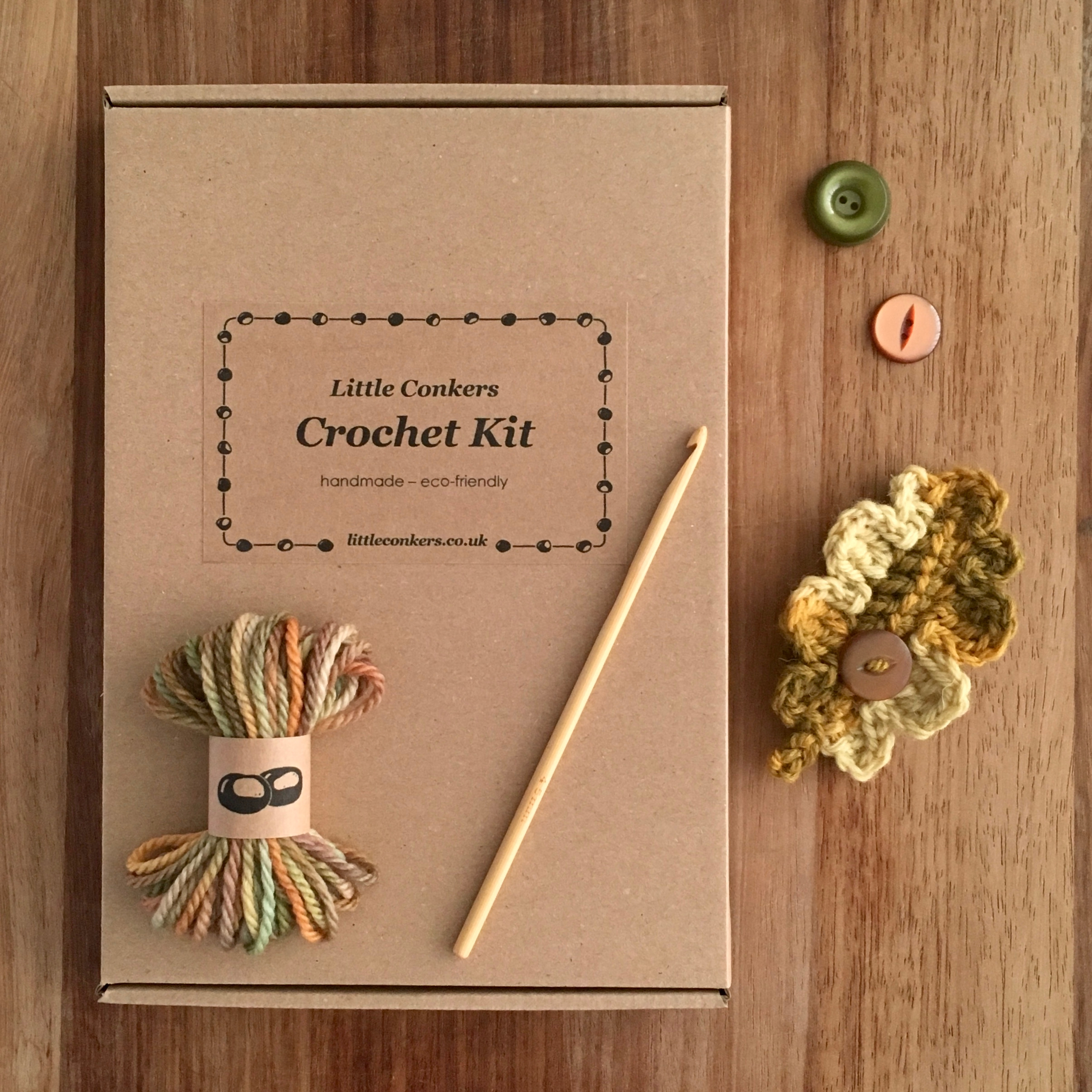 Eco-friendly crochet kit for a woollen oak leaf brooch with vintage buttons