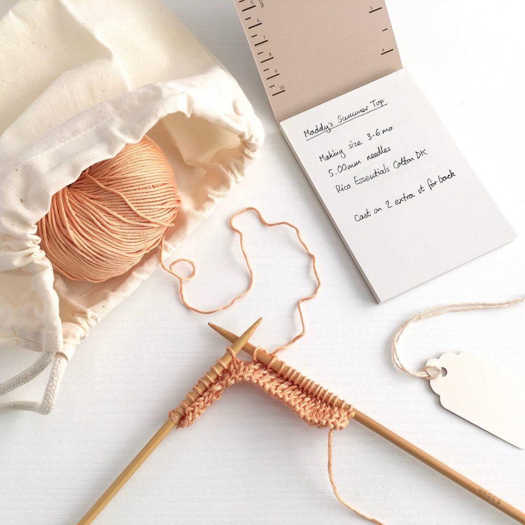 Knitting with the eco-friendly knitting gift set
