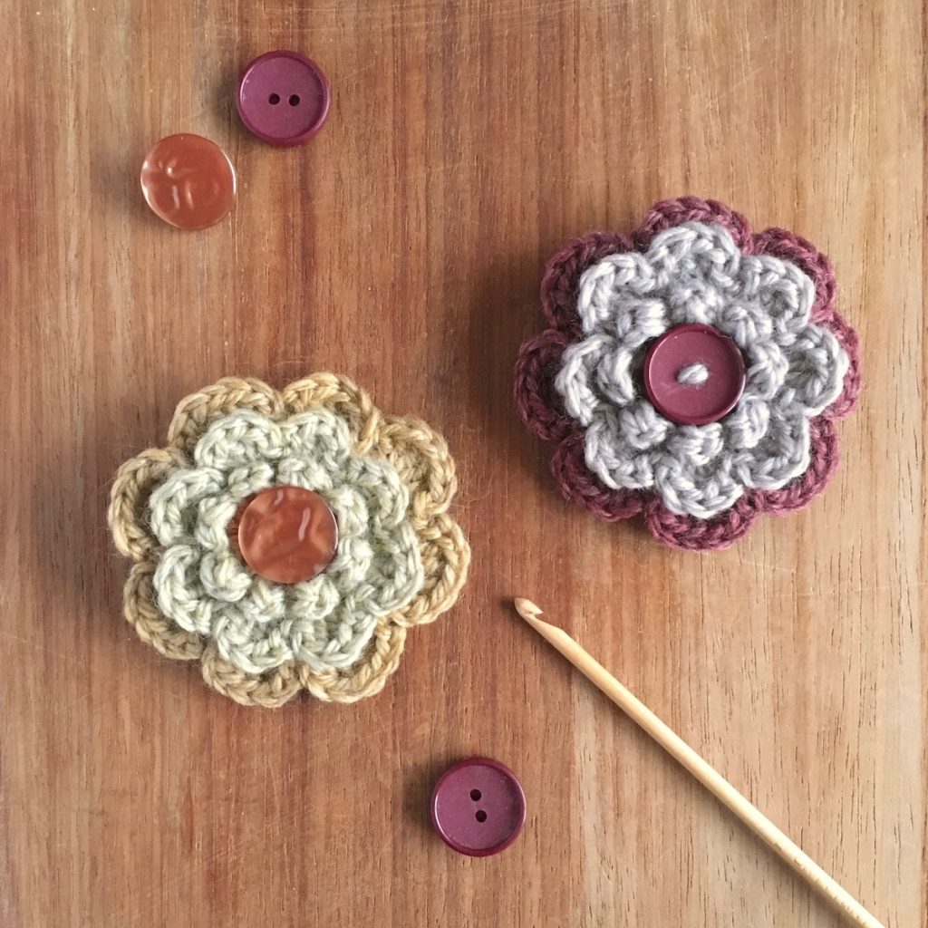 Eco-friendly Woollen Flower Brooches with Vintage Buttons